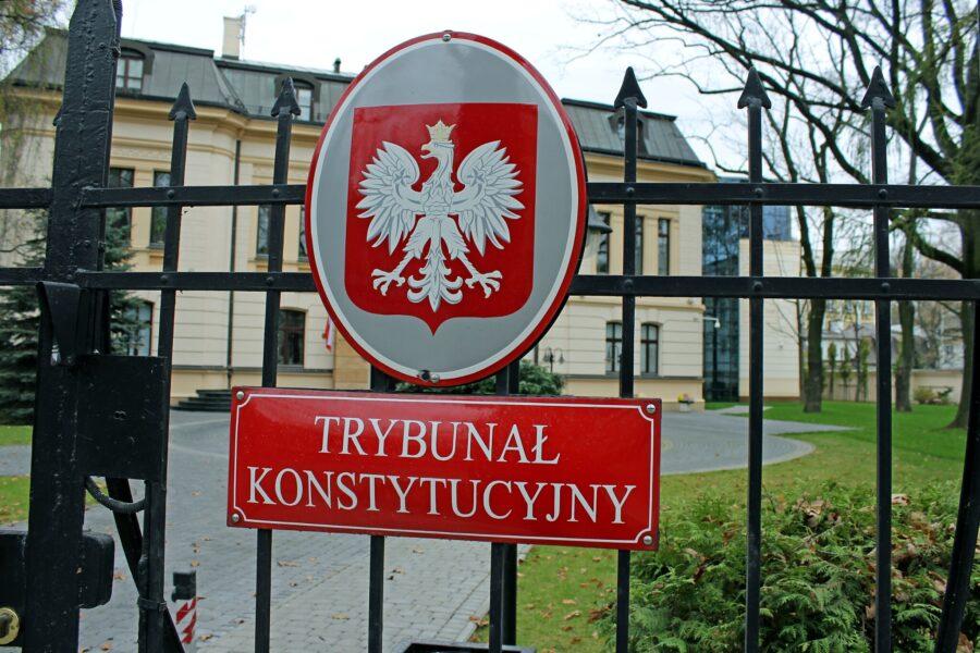 La violazione dei diritti costituzionali in Polonia: aporie e anacronismi