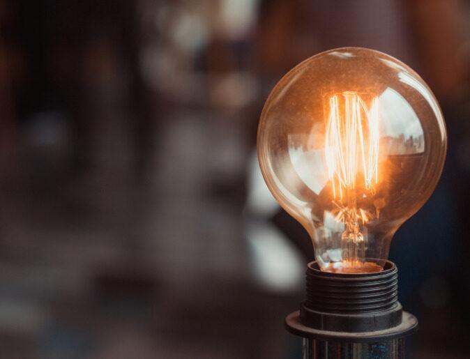 27 gennaio 1880 – Thomas Edison brevetta la lampadina
